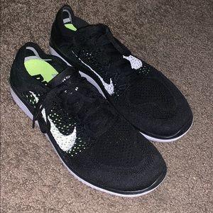 Nike free rn flyknit sz 10